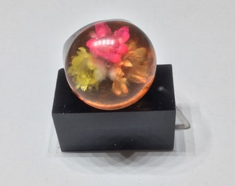 Dome Lucite Plastic Flower Encased Dome Ring