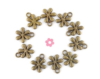small flower charm 10 x bronze 11x13mm (105 d)