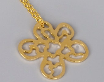 Gold Flower Necklace, Gold Necklace, Filigree Necklace, Lace Pattern, Flower Pendent, Floral Jewelry, Bridesmaid Gift, Bride Necklace,Dainty