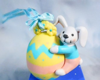 Vintage Avon Busy Bunny Easter Ornament - Bunny With Egg, NIB