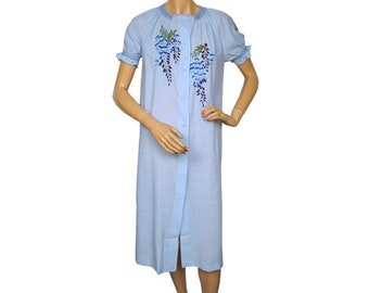 Vintage 1960s Blue Nightie w Hand Embroidered Flowers Summer Nightgown Size M
