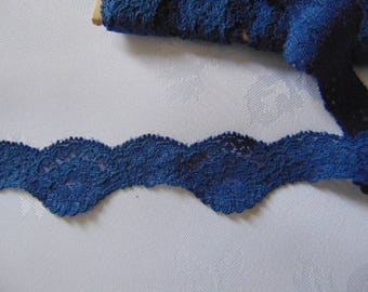 5 metres of 30mm  vintage Nottingham french navy stretch cluny  lace