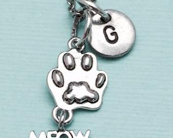 Cat paw necklace, cat paw charm, paw print necklace, personalized necklace, initial necklace, initial charm, monogram