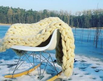 "Merino rug ""Winter"", chunky knit blanket, home decor, extreme knitting, chunky merino knit, coarse knit blanket"