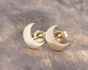 14 k gold filled crescent moon stud earrings, wedding gift, bridesmaid gift. (R_00012)