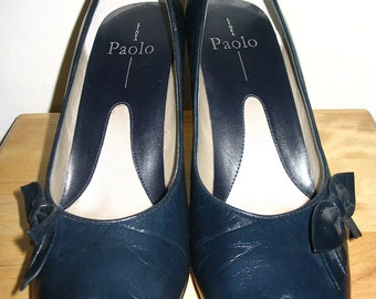 Linea Paolo Blue Leather Bow Front Pumps Size 9M