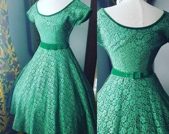 50s 1950s Vintage Green Lace Velvet Dress, Full Skirt Fit and Flare Gorgeous Dress, 50s Green Vintage Dress, Size Medium Vintage Dress