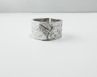 Moor in 925 sterling silver hammered ring