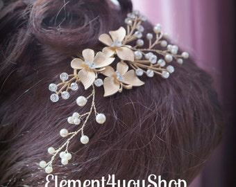 Elegant Bridal Hair Comb, Gold Hair Piece, Wedding Accessories, Gold Rhinestone Comb, Ivory White Cream Pearls, Wedding Head Piece Statement