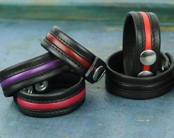 Leather Wristband ''Hanky Code'' · 2 cm / 0,8 in · With Colour Piping · 2 Snaps · Premium Leathers made in Germany / Italy · Hand-made