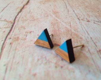 Cherry wood triangle earrings - dipdye bright blue