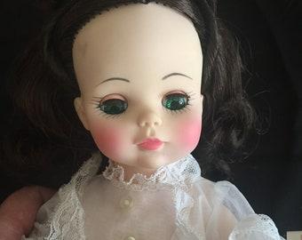 "Madame Alexander Scarlett 14"" Doll 1590"