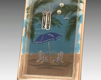 Earring Holder for Pierced Earrings. Shabby Chic Wood Frame Jewelry Organizer. Beach Umbrella Design on Hand Painted Screen. Gift Idea!
