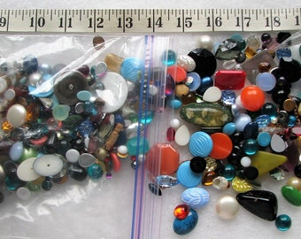 Lot Of 100+ Loose Lucite & Glass Stones Jewelry Repair 6