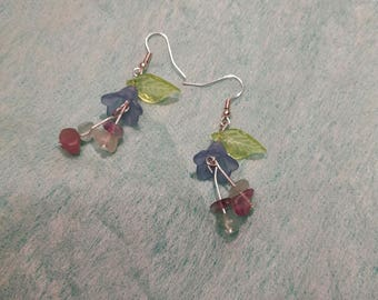 Silver Earrings with resin Leaves and Bluebells and flourite chips pistils