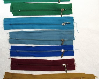 Zipper Destash! Lot of 16 Nylon Zippers with Metal Pulls - All New / Unused - A Variety of Colors and Lengths