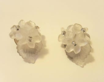Vintage 1950s Clear Floral Beaded Clip On Earrings