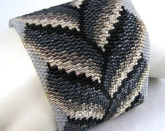 Slivers of Silver Bargello Braid Peyote Cuff Bracelet (2560) - A Sand Fibers Creation