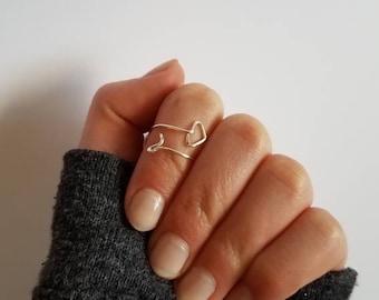 Wrap-around, snug fitting, arrow ring