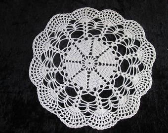 Vintage White Lace Doily Crochet Doily Round Lace Doily Centerpiece Decoration Oval Crochet Lace Vintage Lace Doily Wedding Centerpiece