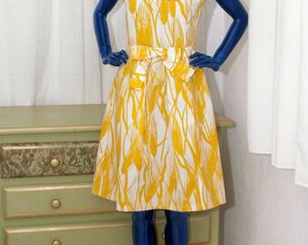 Floral Print Sleeveless Casual Moschino Summer Dress V Neck A line Day Dresses White Yellow short Knee lengh feminine elegant small medium