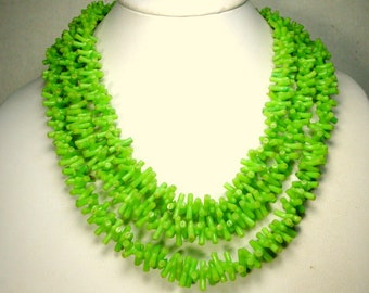 LIME Green Faux Branch Coral 3 Strand Bead Necklace, 1950s Vintage Mad men from Hong Kong, FABULOUSSSS Color