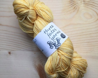 arthur  light - terra sock, fingering weight sock yarn
