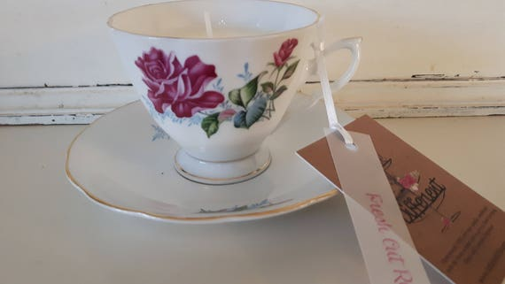 Tea cup candle. Scented soy wax vegan vintage tea cup candle, with fresh cut roses.  Vegan candles. Organic soy. Made in Wales
