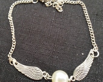 Bracelet with Pearl and 2 Angel Wing Charm