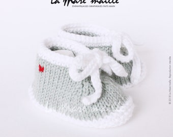 Unisex baby booties knit wool pale green and white spirit sneaker with the Mare hand knitted lace ' stitch