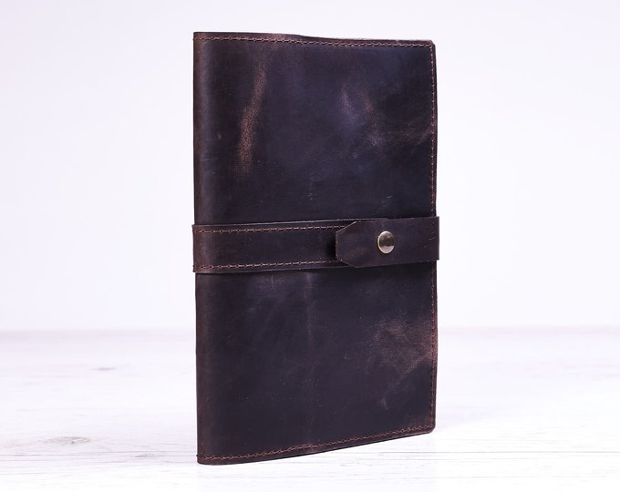 Dark brown A5 leather journal cover. Notebook cover. Notebook holder. Moleskine notebook case.