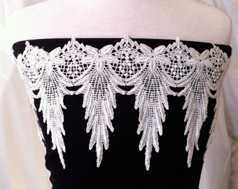 ITEM: A0069, 2 Yards, White 5.5 inch Flower and Tree Venise Lace Trim
