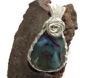 Dyed agate 3 pendant colors dominance transparent green/pink semi mounted on wire wrapping wire copper nickle free.