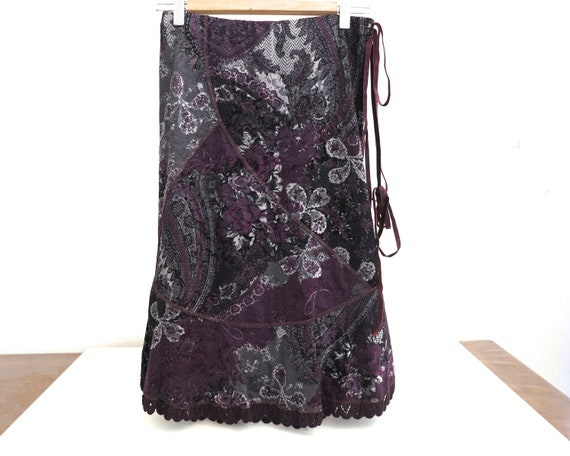Vintage Sandro Ferrone velvet skirt, purple / grey / black pattern, ribbon and lace trim, lined, made in Italy, small size, size 42 Italian