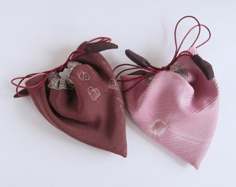 vintage Japanese kimono haori silk drawstring purse, soft pink reversible pouch plum recycled bag upcycled.