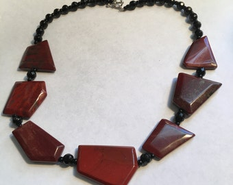 Vintage  Mid Century Costume Necklace with Smooth Stone Design