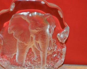 Crystal Eelephant sculpture by Mats Jonasson