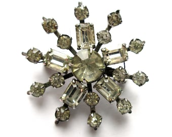 Vintage Brooch Pin Clear Emerald Cut Claw Set Rhinestone Flower Floral Tiered Riveted Snowflake Silver Tone Starburst Art Deco Style