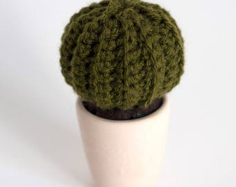 Crochet cactus and its clay pot