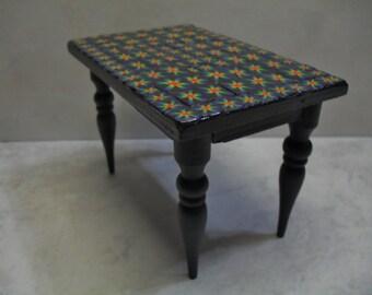 Mosaic Table black rainbow burst