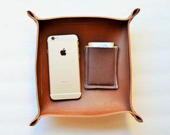 Leather valet tray, catch all tray, valet trays, leather catch all tray, custom tray with initials, home decor, gifts for him