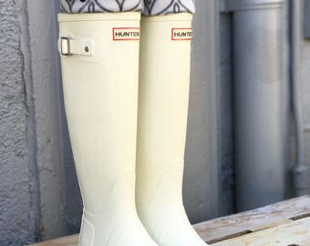 SLUGS Fleece Rain Boot Liners in Grey with a Geometric Charcoal Cuff, Welly Warmers, Boot Socks, Winter Rainy Day Fashion Accessory (Med/Lg)