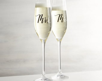 Mr & Mrs Champagne Flutes with Silver Calligraphy - Laser Engraved Champagne Flutes