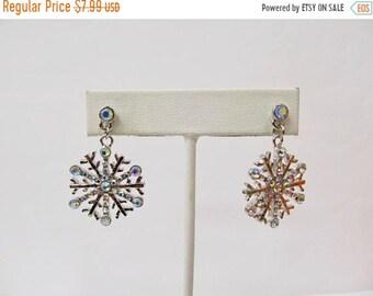 On Sale Retro Sparkling Iridescent Rhinestone Snowflake Earrings Item K # 1956