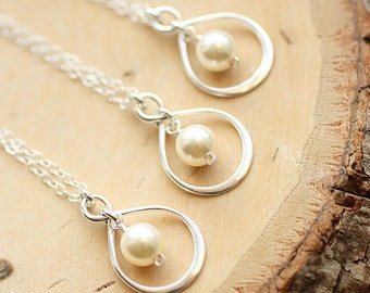 Bridesmaids Gift Set of EIGHT Infinity Necklaces, 8 Sterling Silver Infinity Necklaces, Dainty Necklace, Pearl Necklace, Bridesmaid Jewelry