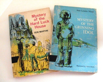Mystery of the Hard Luck House & Mystery of the Grinning Idol - Vintage children's books, children's mystery  novels, detective stories