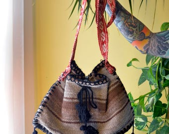 Traditional Hand Loomed Wool Peruvian Purse