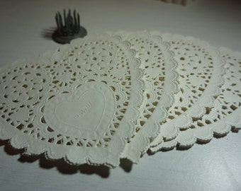 """25 White Paper Lace Doilies Heart ~ 140mm (5.5"""") *Baby Shower*Wedding* Cards*Crafts"""