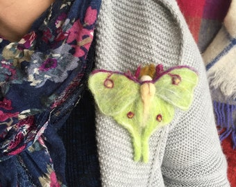 Luna Moth pin/Mothers Day Gift/Felted Luna Moth/Luna Moth brooch/Actias luna/Insect jewellery/Insect ornament/Wing brooch/Moon moth