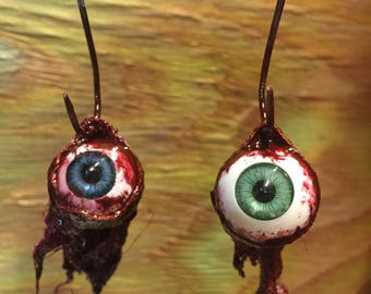 Eyeball hanging ornament